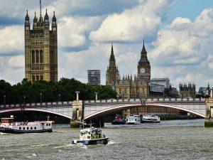 Dostawa towarów na rzecz klienta w Wielkiej Brytanii 2021
