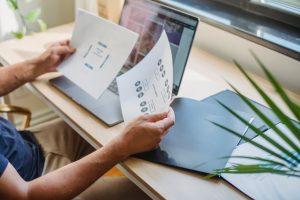 świadczenie usług i sprzedaż towarów na odległość