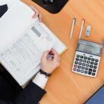 rozliczanie sprzedaży przez podatnika zwolnionego z VAT